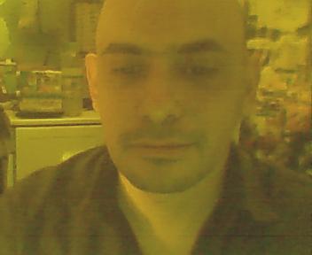 Ovy69, Hombre de R. D. Busto buscando una cita ciegas